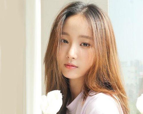 Yeonwoo Biography, Height, Net Worth, Wiki & More