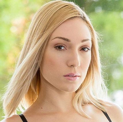 Lily Labeau Biography, Age, Height, Family, Wiki & More